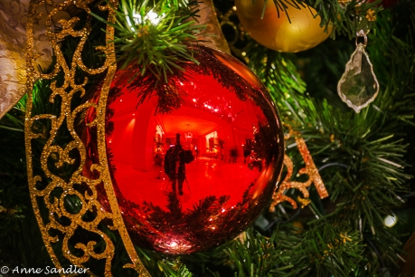It's me reflected in the ornament.