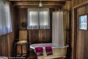 Love the old tub in the downstairs bathroom.