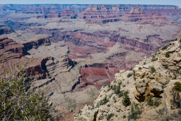 It was a hazy, cloudless day so I concentrated on the Canyon.